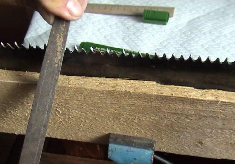 Как наточить ножовку по дереву в домашних условиях 13